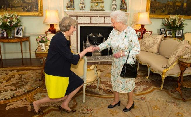 Тереза Мей и кралица Елизабет II