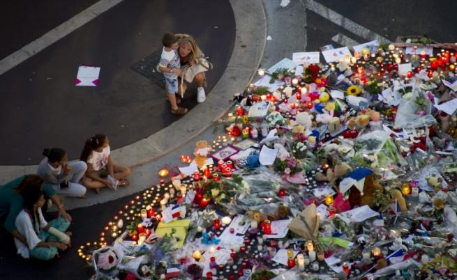 В Ница отдават почит към загиналите