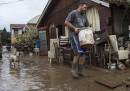 Намериха майка и дъщеря живи под калта на потопа в Скопие