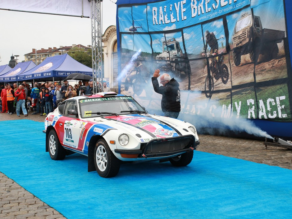 """- Днес, пред храм-паметника """"Александър Невски"""" стартира международният оф-роуд маратон Balkan Offroad Rallye 2016 и дебютното издание на макадамовото..."""