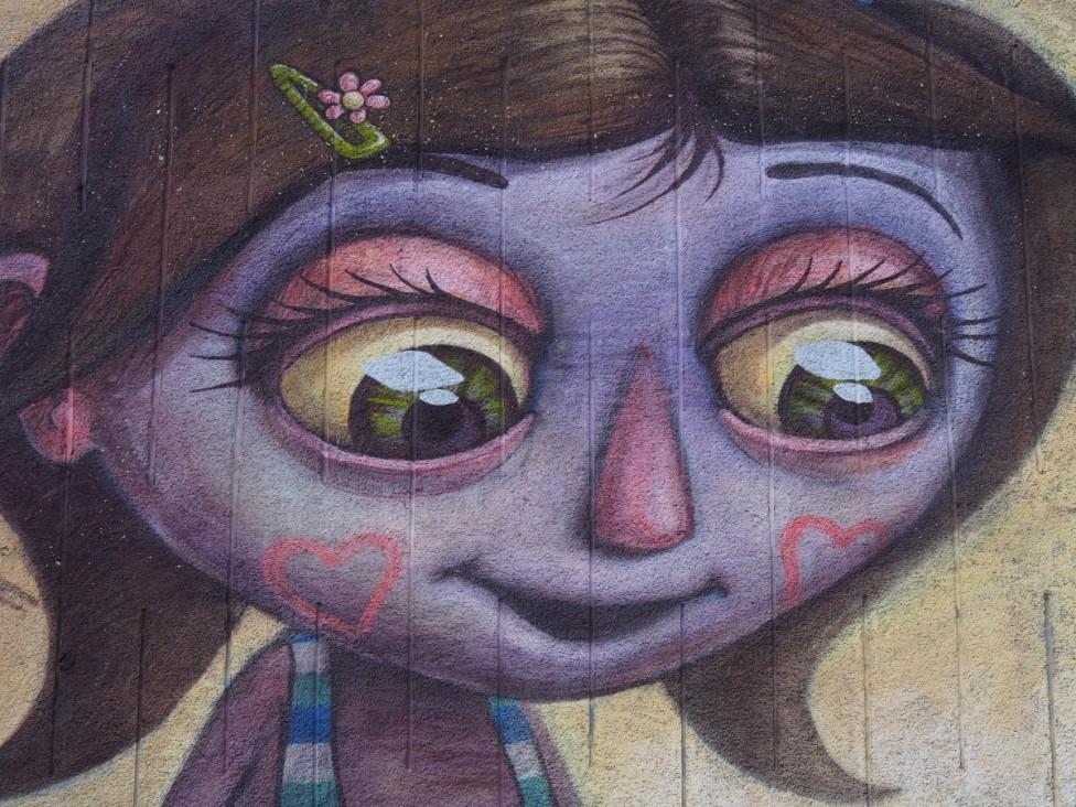 - Варненско училище се превърна в платно за графити майстори