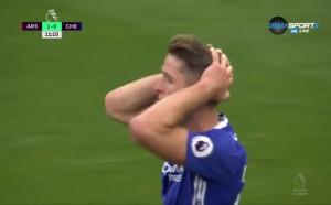 Коледа подрани за Арсенал, Кейхил подари гол на Алексис