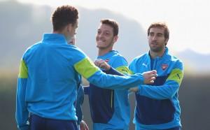 Отговорът на Йозил: Кой е по-добър - Меси или Роналдо?!