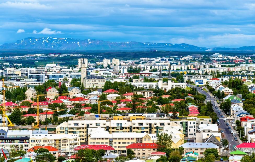 - Исландия оглавява класацията за най-здраво население. Според диетолозите причината за това е стриктната политика на правителството на контрол на...