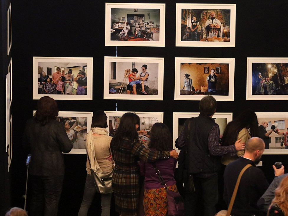"""- Петото издание на фотоконкурса """"Благотворителността през обектива"""" на Български дарителски форум и фондация """"BCause"""" (доскоро """"Помощ за..."""