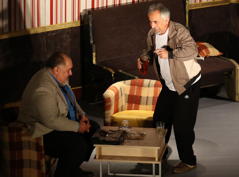 - Забавна и вълнуваща актьорска игра ще събере на едно място магията на пътуващия театър. Второто издание на европейския фестивал започна в понеделник...
