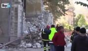 Рухване на сграда след поредното земетресение в Италия