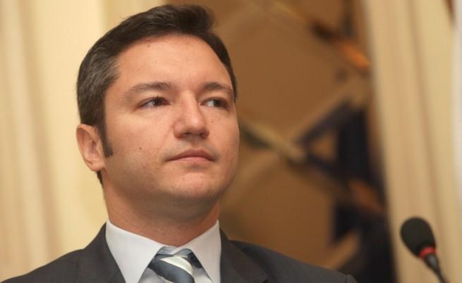 Вигенин: Ще следим македонските власти за филма за Самуил