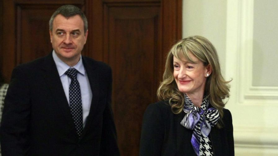 Министърът на правосъдието Зинаида Златанова и колегата ѝ от вътрешното ведомство Цветлин Йовчев