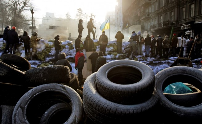 Поредна напрегната нощ и безредици в Киев