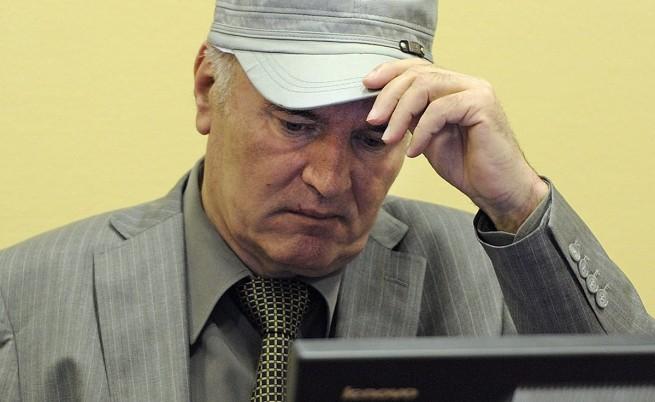 Ратко Младич отказа да свидетелства в полза на Радован Караджич