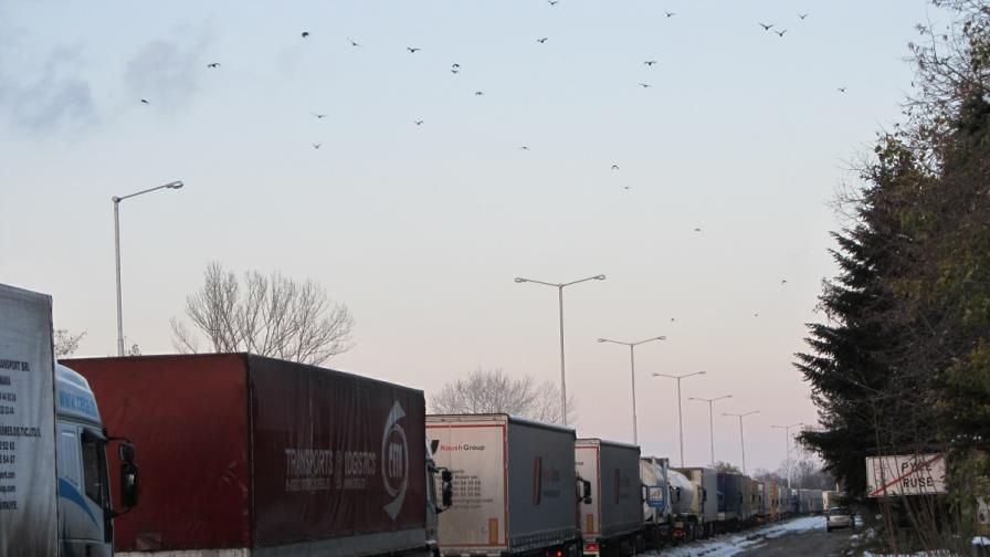 Турция едностранно спира българските превозвачи на границата