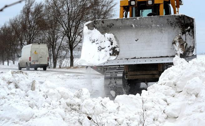Български камион блокира 100 коли на магистрала в Сърбия