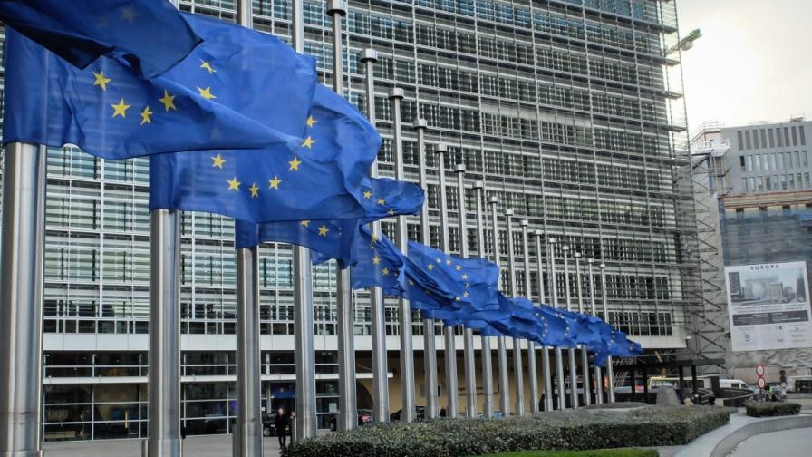ЕК: Корупцията в България остава широко разпространена