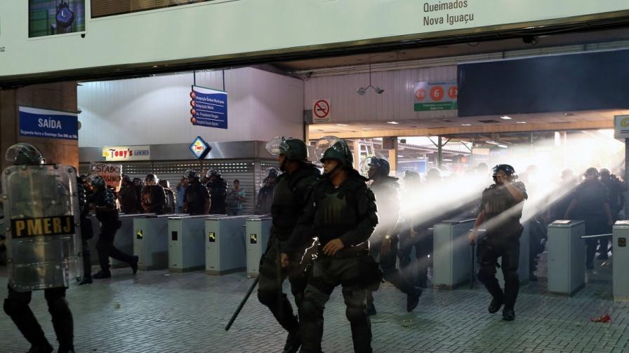 Седем ранени при безредици в Рио де Жанейро