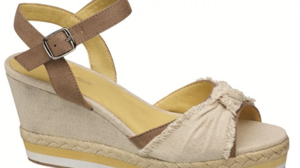 """Един от новите модели сандали на """"Deichmann"""""""