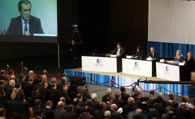 Орешарски: Няма да правим държавна индустрия