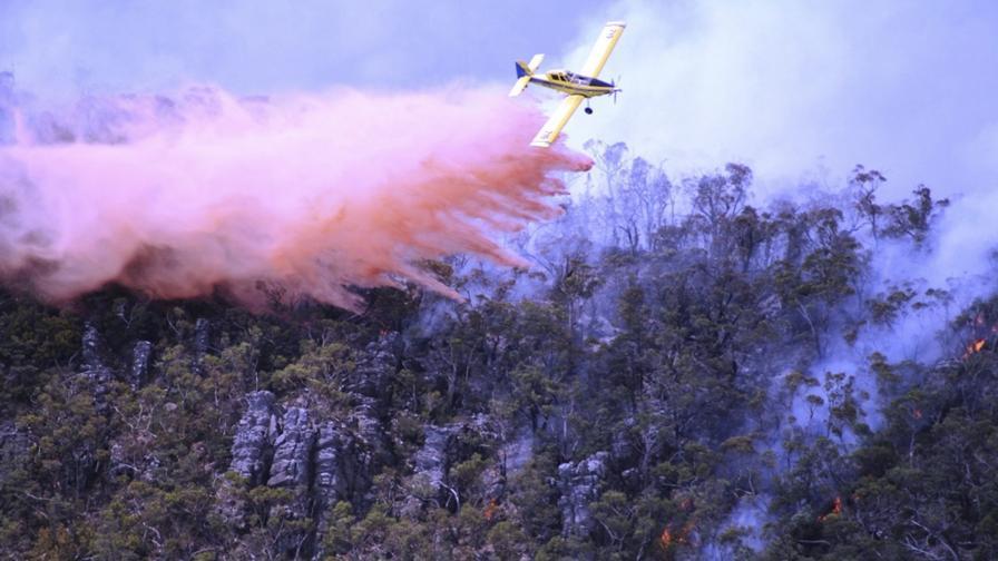 Гъст дим от пожари затвори временно летището на Мелбърн