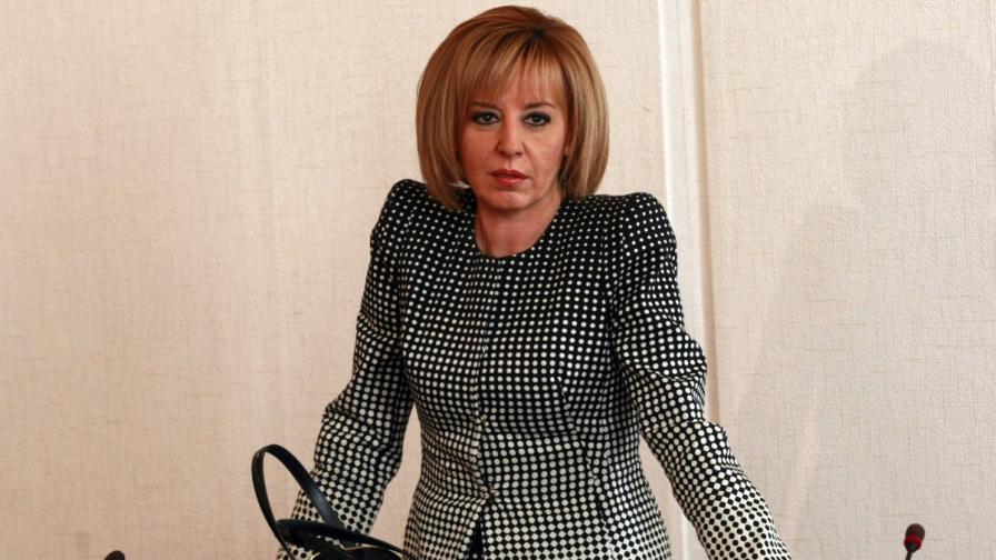 Манолова: Не сме се отметнали, оставка ще има