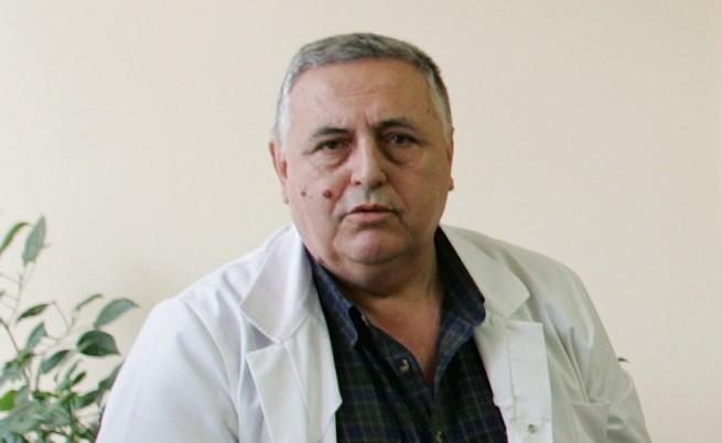Връщат проф. Раденовски в управата на
