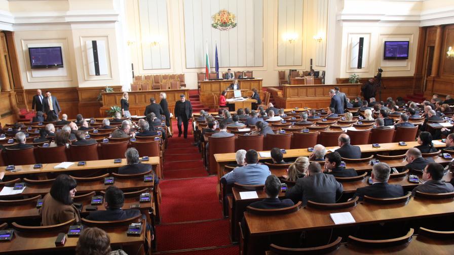 """""""Екзакта"""": НС и правителството продължават да губят подкрепа"""