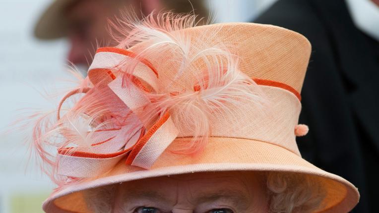 Законите, които кралица Елизабет може да погази