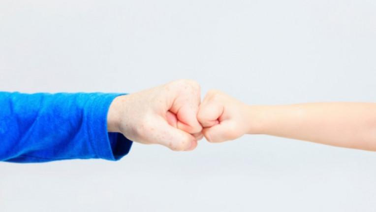 родители възпитание шамар агресия тийнейджъри семейство деца
