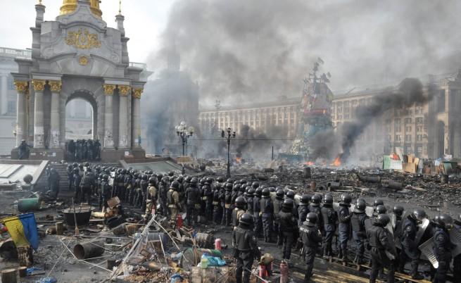 Официален Киев: Това е опит за незаконно завземане на властта