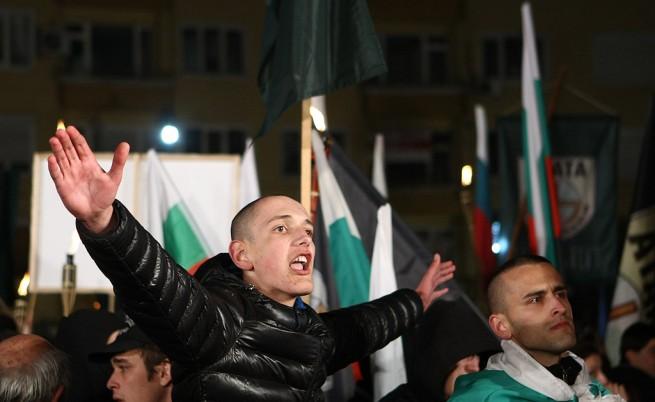 Паметникът на Левски бе недостъпен за граждани заради