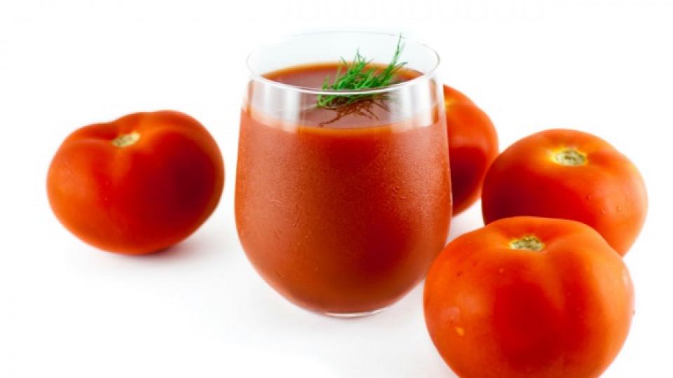 Доматите съдържат 94,5% вода, 0,9% белтъчини, 3,5% въглехидрати, 0,7% целулоза, органични киселини (лимонена, ябълчна, оксалова), минерални соли и незначителен процент скорбяла. Зрелите домати са богати на глюкоза и отчасти на фруктоза. Специалистите вече са доказали, че доматите са особено полезни при болести на сърдечносъдовата система и имат антиканцерогенно действие