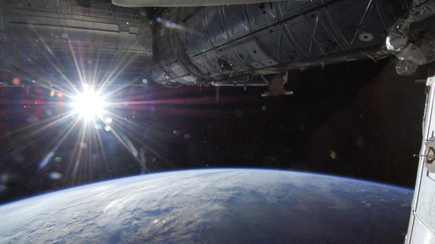 Земята губи способността си да отразява светлината