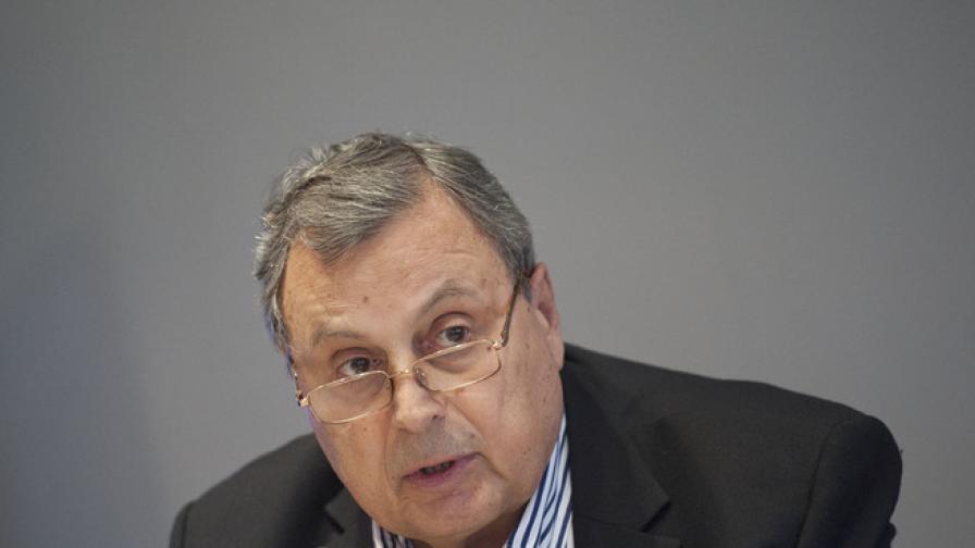 Божидар Данев: Икономиката леко потръгва