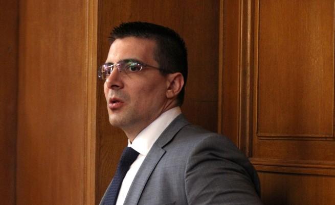 Отцепникът от ГЕРБ Светлин Танчев отива при Бареков