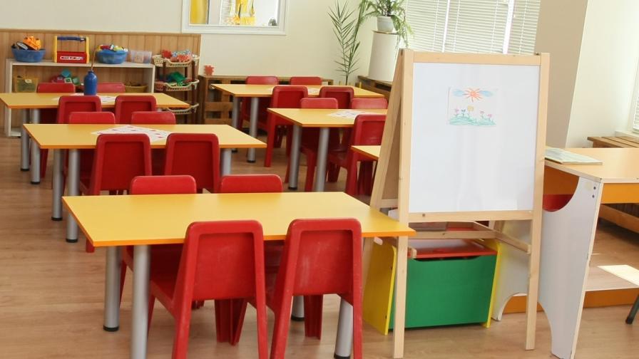"""Сервираха отровно """"синьо"""" мляко в детска градина в Асеновград"""