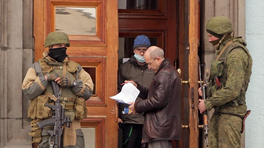 Турчинов уволни шефа на сигурността в Севастопол