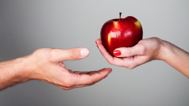 ябълка ръка ръце плод