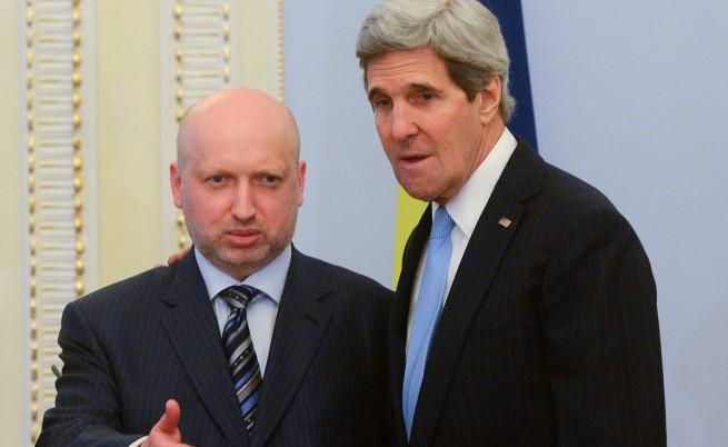 Джон Кери: Русия търси претекст да нахлуе в Украйна