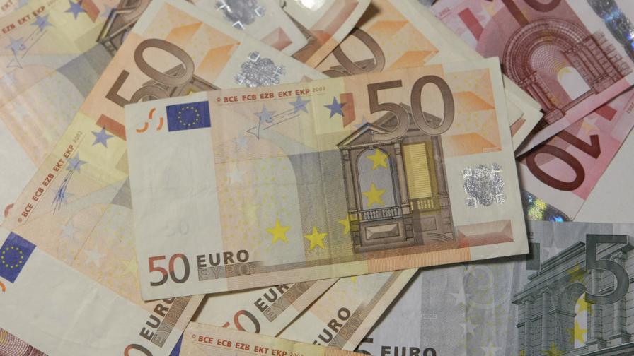 """В Гърция: За първи път политик връща пари, получени от """"Сименс"""""""