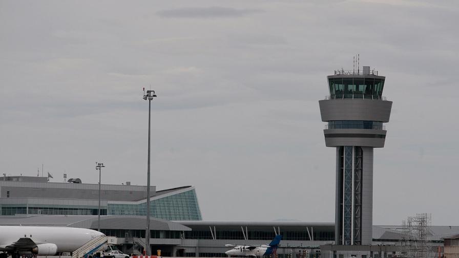 Термокамери следят за ебола на летището в София