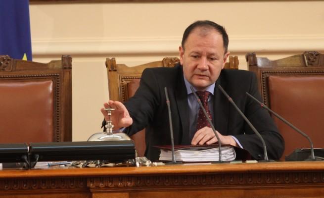 Миков: НС ще разгледа предложението на президента за референдум