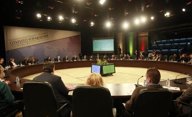 Местан и Станишев внасят законопроект от и за медиите