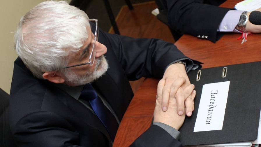 Професор Валери Димитров по време на откритото заседание на Сметната палата