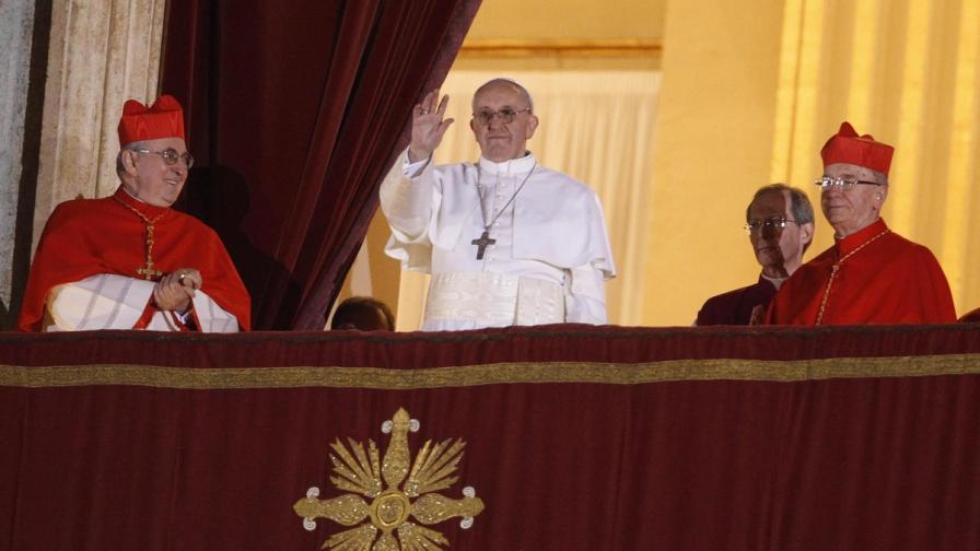 Папа Франциск: Понякога разводът е неизбежен