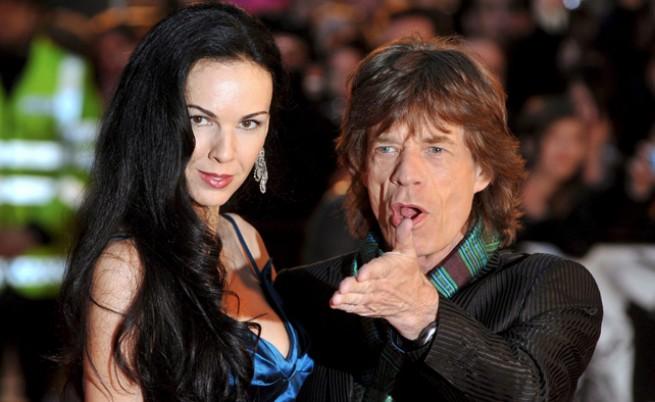 Оперираха рок звездата Мик Джагър
