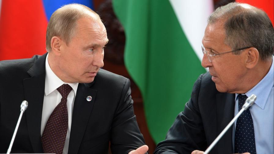 Владимир Путин (вляво) и Сергей Лавров