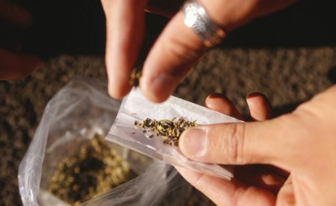 Учени: И нередовното пушене на марихуана уврежда мозъка на подрастващи