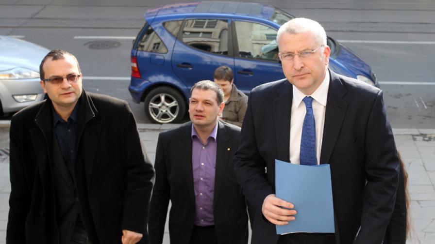 Светослав Малинов, Мартин Димитров и други представители на РБ внесоха сигнал в Прокуратурата във връзка с намеренията за застрояване на местността Кара дере