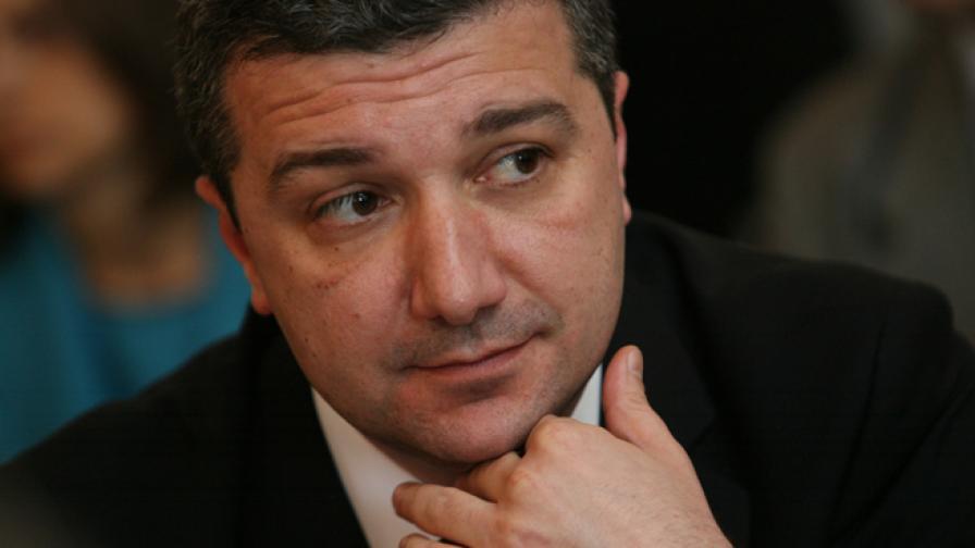 Стойнев и Борисов в енергиен спор