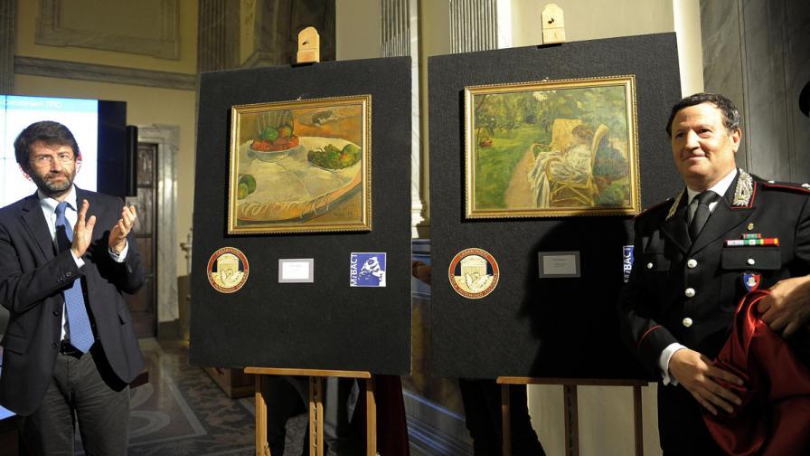 Откраднати картини на Гоген и Бонар висели 40 години в кухня