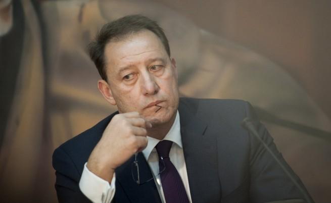 Военният министър с оправдание за уволнението на висш чиновник